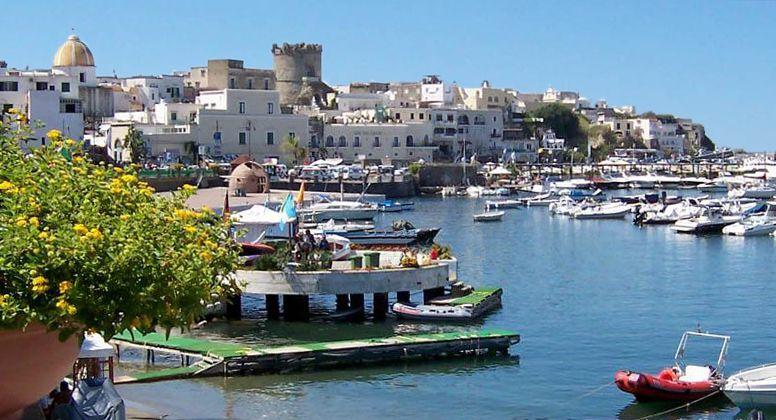 Cruising en Forio, Campania - Napoli - Gays-Cruisingcom